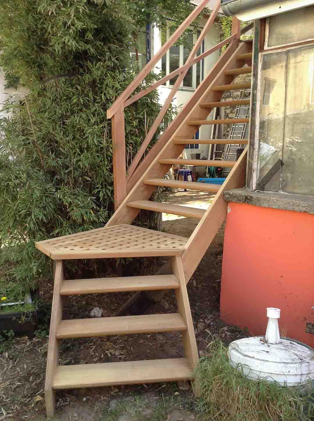 Escalier caillebotis