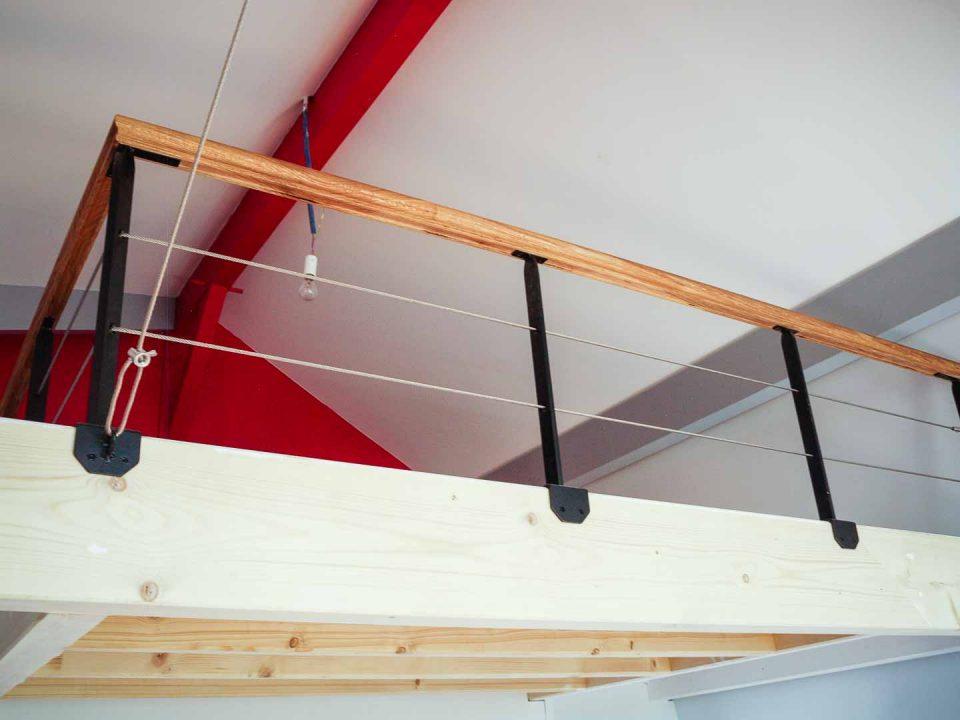 Mezzanine suspendue et garde corp acier/bois à Strasbourg