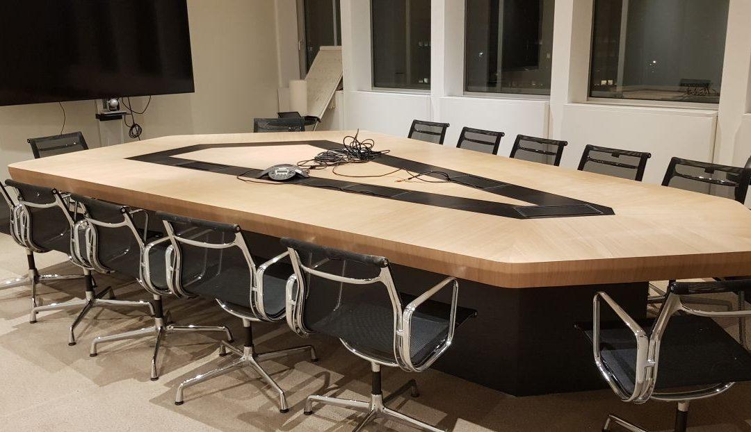 Table haut de gamme – Crédit Mutuel