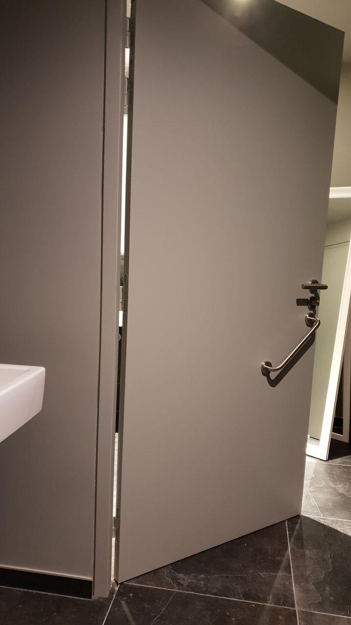 Porte menuiserie de salle de bains-2